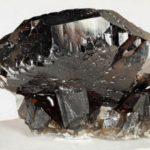 камень морион