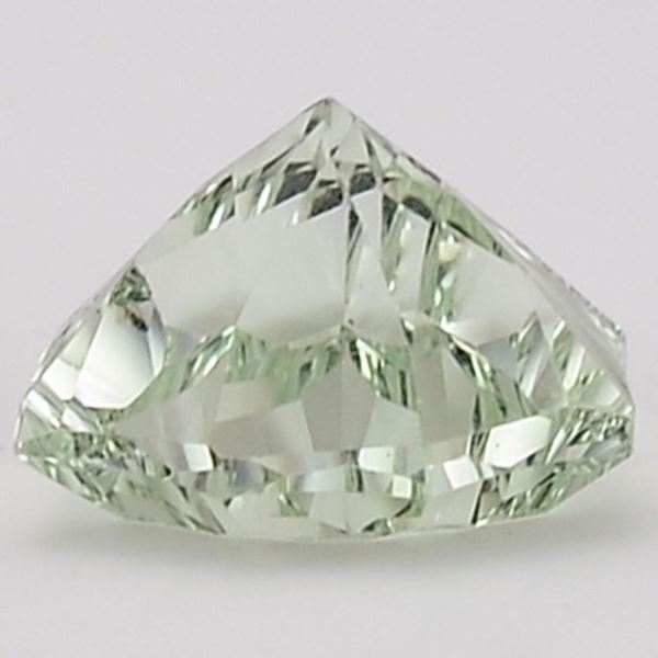 кристалл празиолит