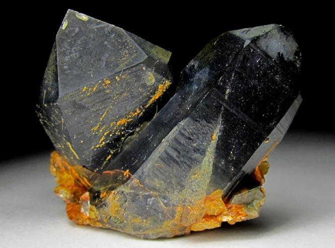 слои на камне