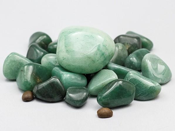 авантюрин зеленого цвета