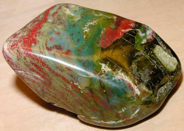 минерал гелиотроп