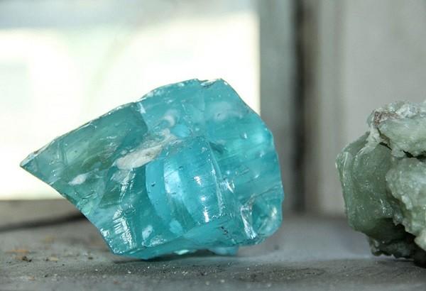 Как выглядит камень аквамарин