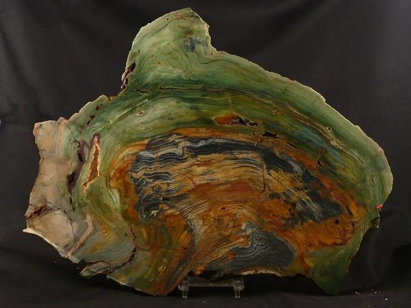 Камень яшма зеленая