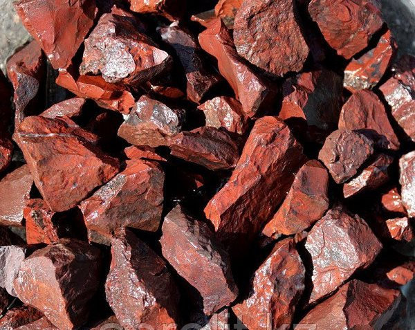 месторождения красной яшмы