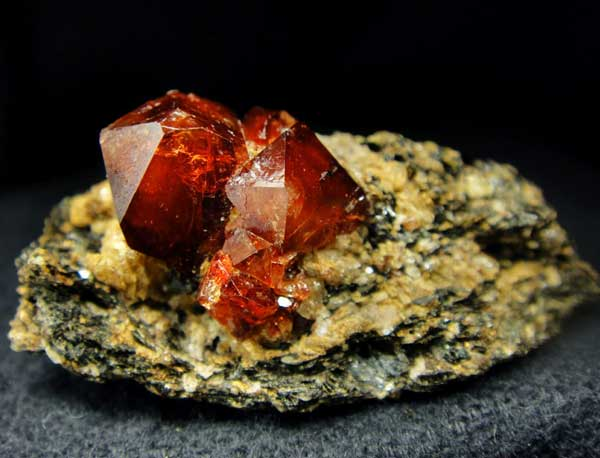 минерал циркон