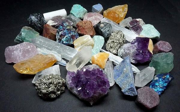 минералы разных пород
