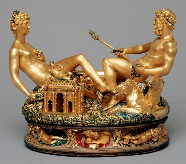 Шкатулка авторства великого итальянского скульптора Бенвенуто Челлини