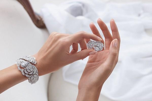 Как почистить белое золото с бриллиантами