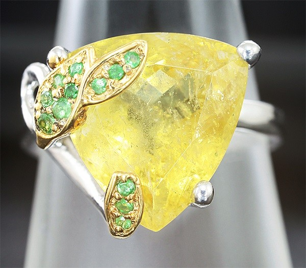 Серебряное кольцо с гелиодором
