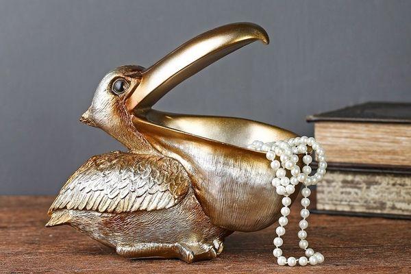 Статуэтка пеликана с жемчугом
