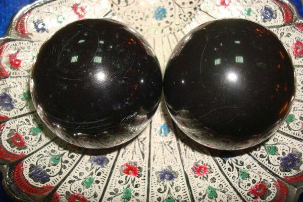 Нефритовые шары