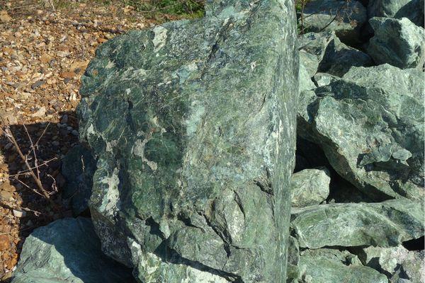 Месторождение камня