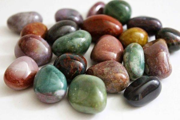 Месторождения минерала