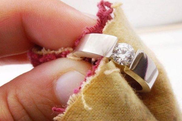 Как почистить золотые кольца