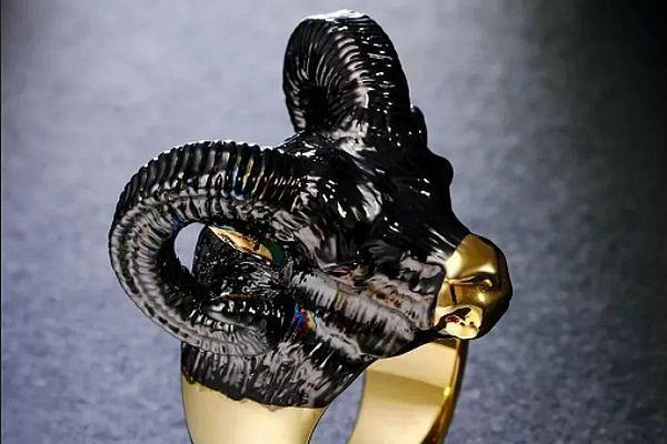 перстень из черного золота